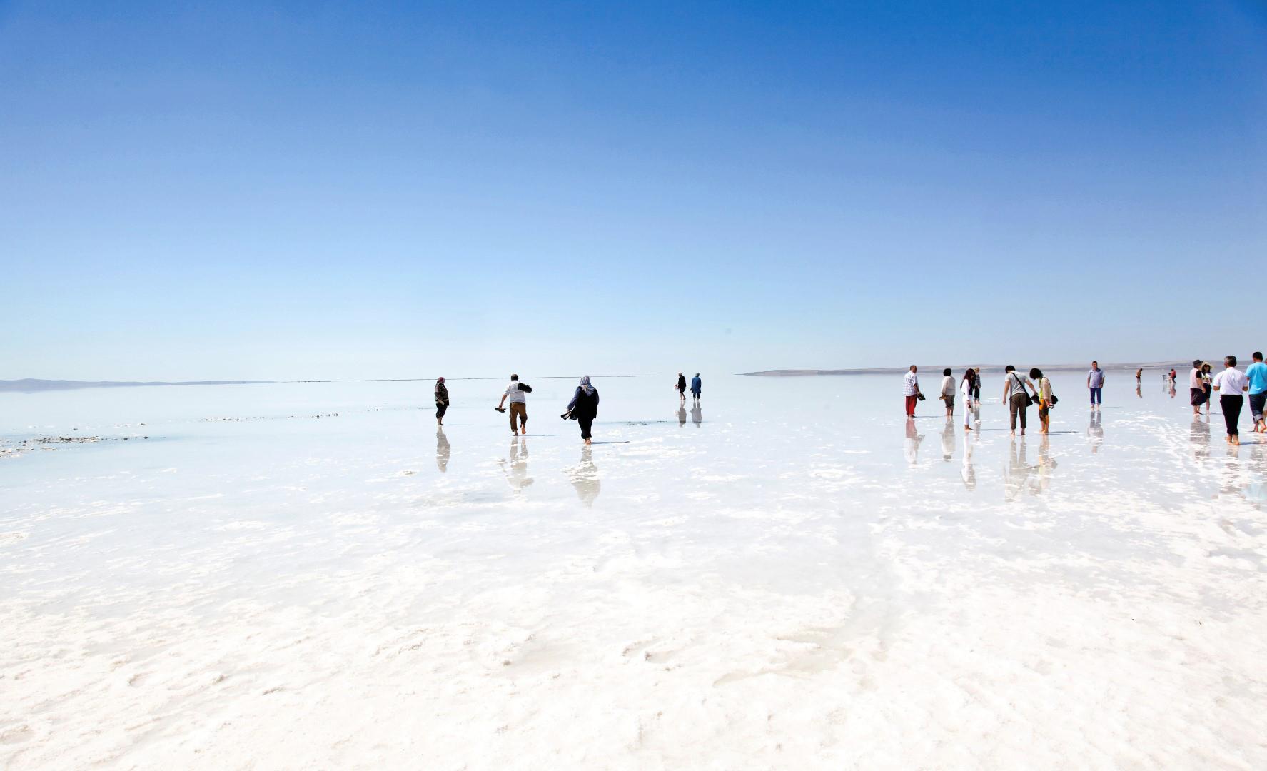 Hasil gambar untuk salt lake turkey
